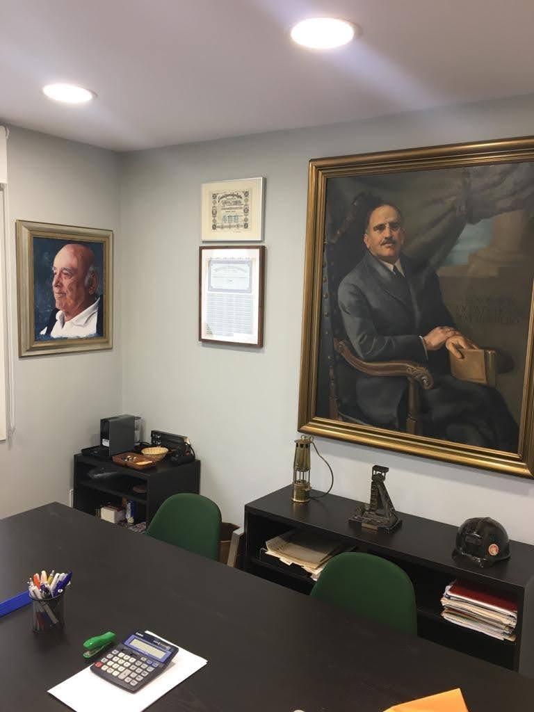 Retrato de José María Figaredo Sela para decorar una sala de juntas